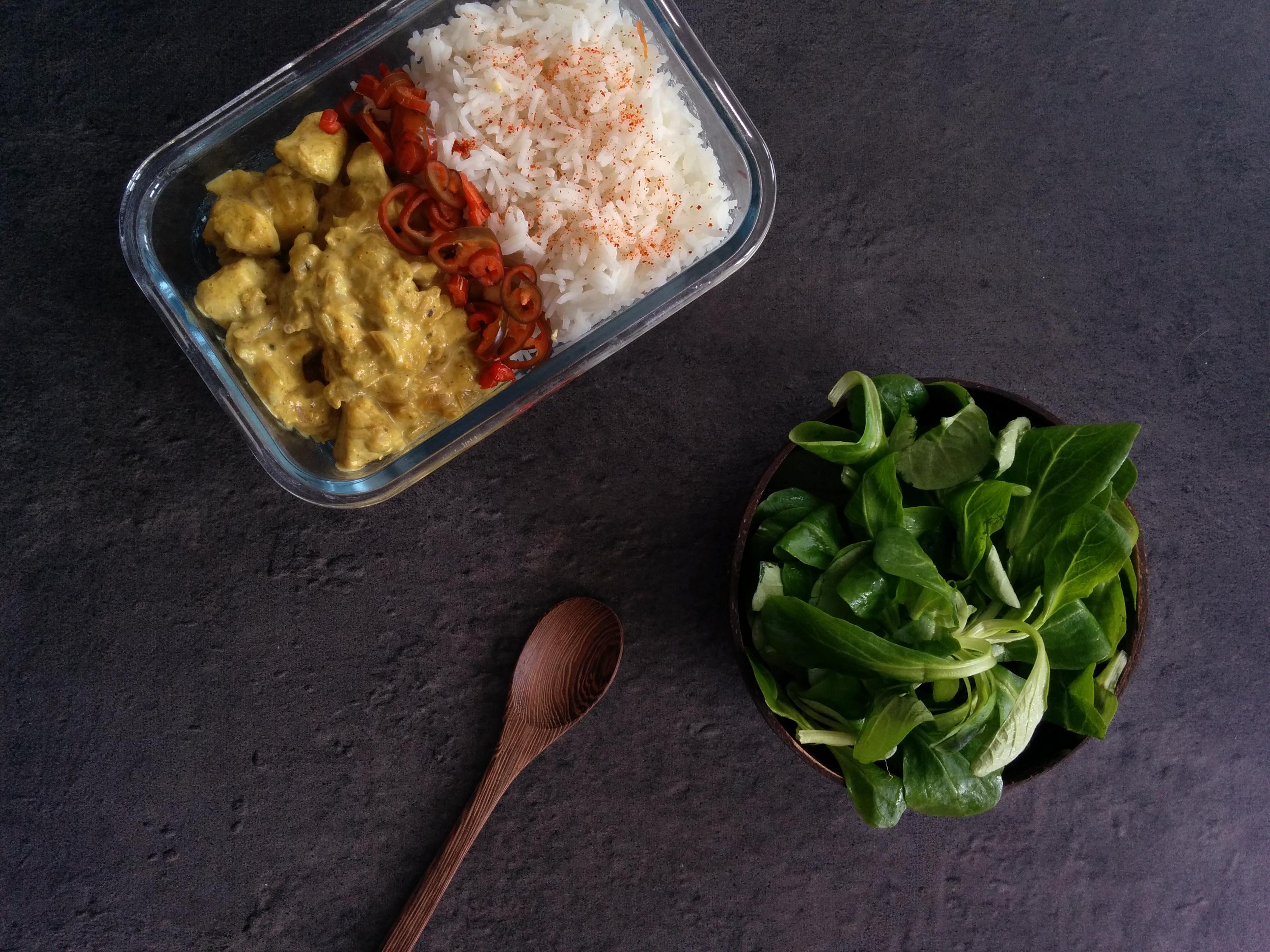 poulet curry et crème de noix de coco