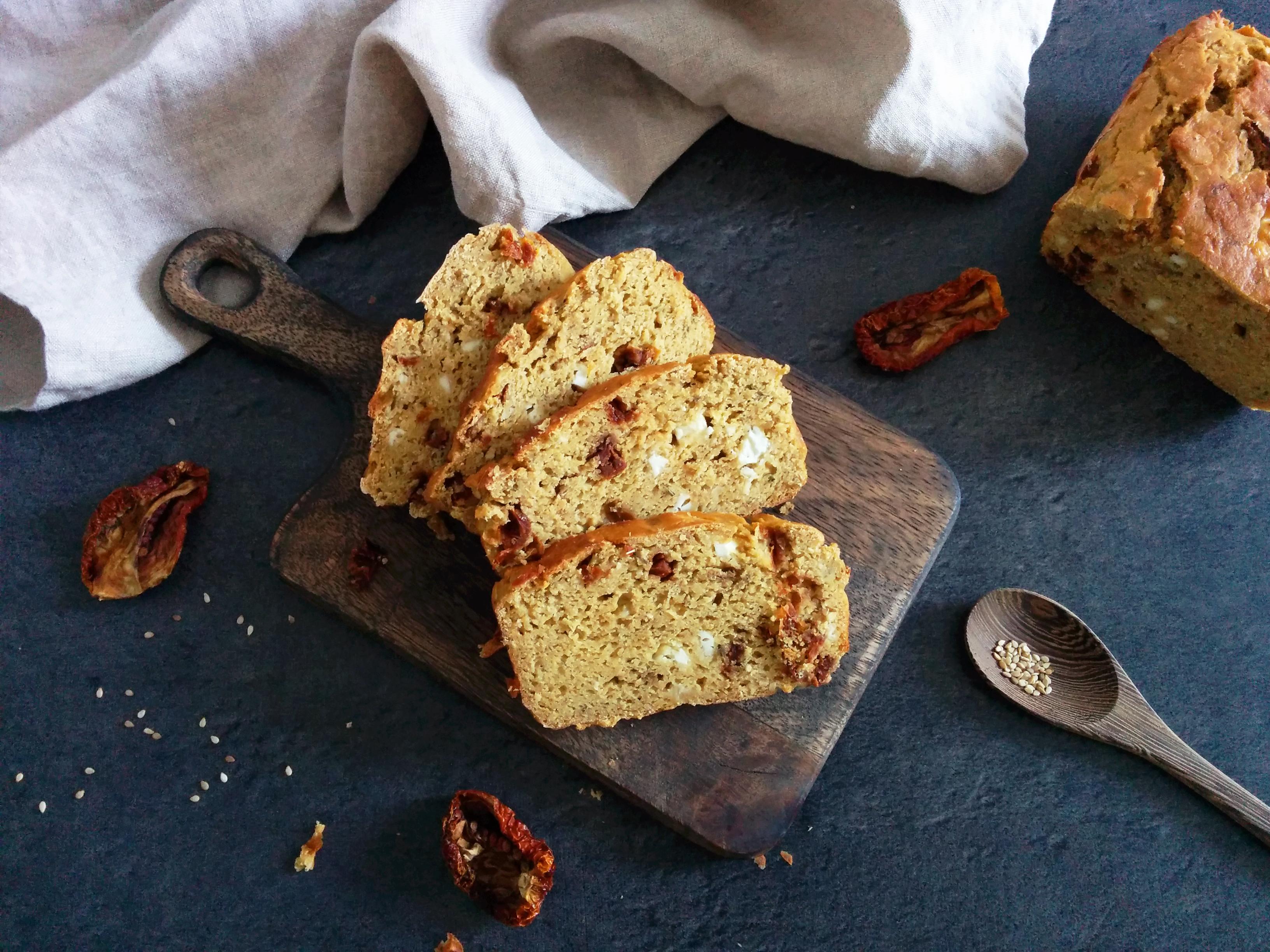 cake salé IG bas origan et tomates séchées _ santé et gourmandise